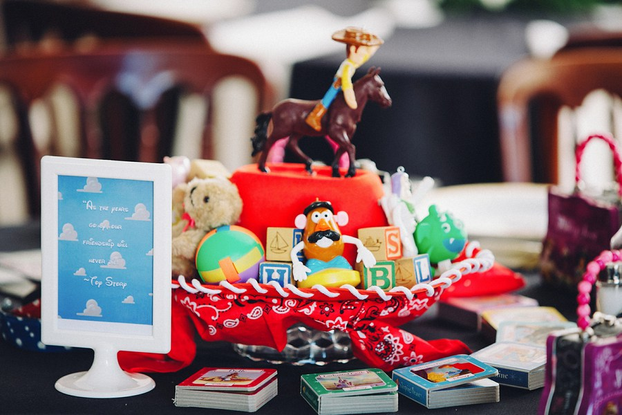 toy-story-table-decor