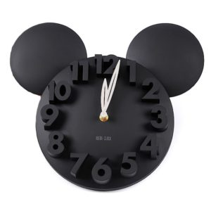Never lose track of time with this jumbo Mickey clock.