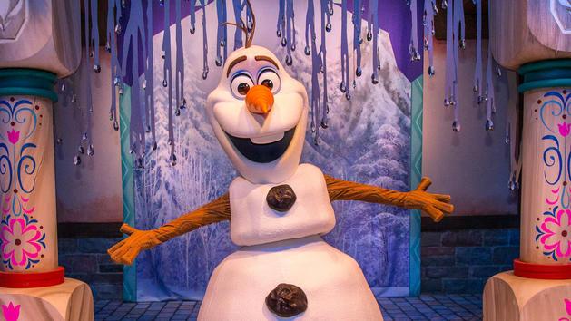 character-meet-olaf-frozen