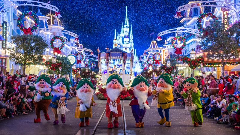 5 Reasons Why Mickey's Very Merry Christmas Party is a Toddler Must 7