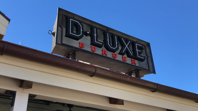 D-Luxe Burger Dining Review 1