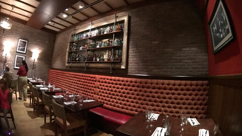 A peek at the inside of Trattoria el Forno.