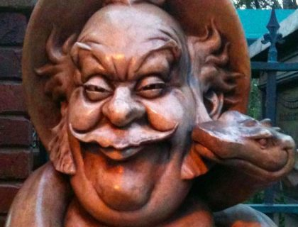 Bust from the queue of the Haunted Mansion