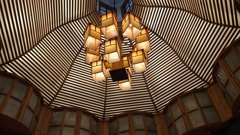 Details in the ceiling at Yachtsmen Steakhouse.
