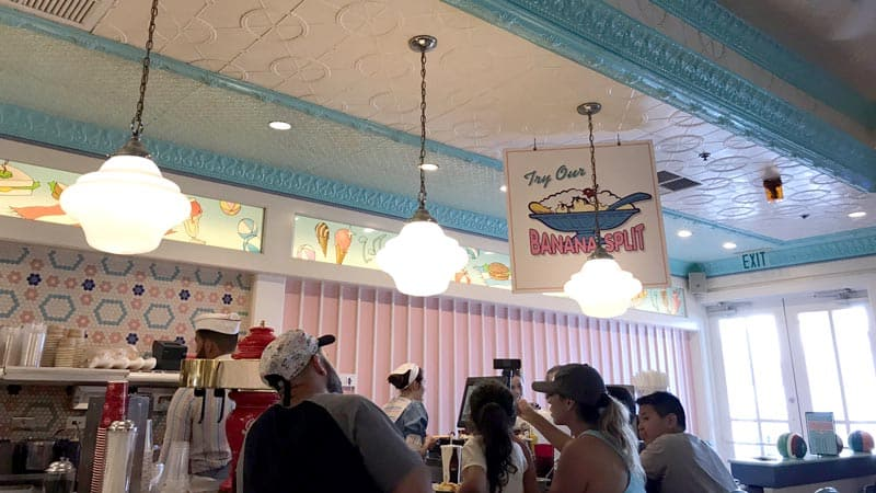 Bar at Beaches and Cream