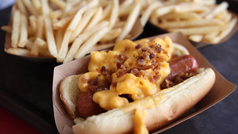 Bacon Mac and Cheese Hot Dog