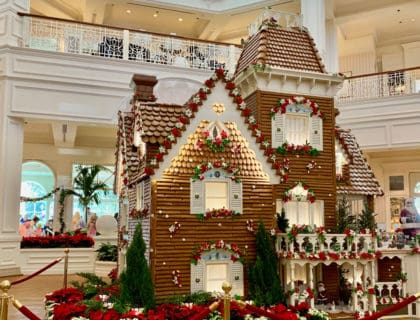Delicious Gingerbread Displays at Disney World 13
