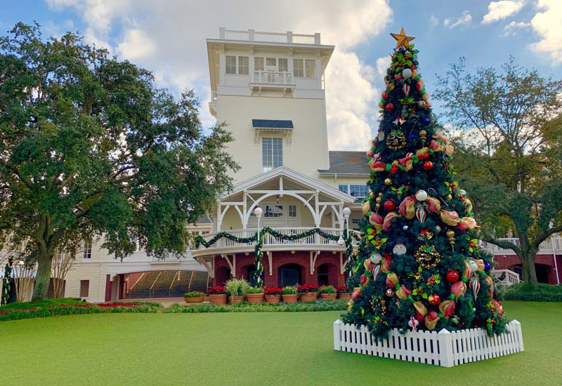 The Best Disney Resorts at Christmas 23
