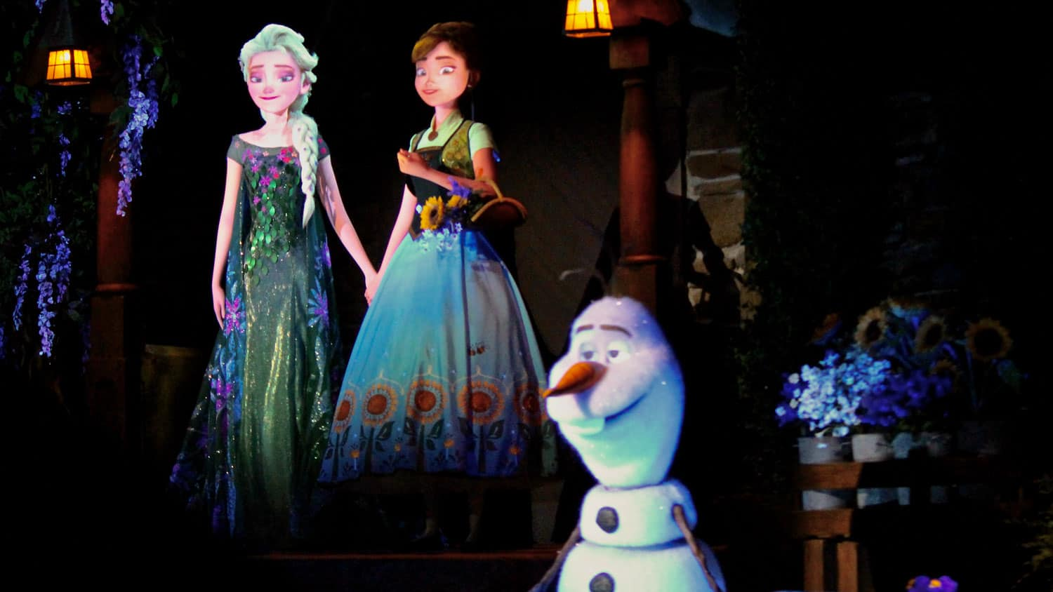 Where to Find Anna and Elsa at Walt Disney World 11