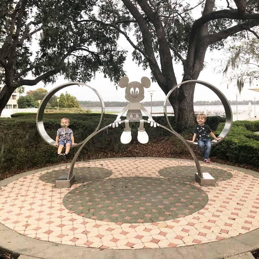 How to Take Epic Disney Resort Photos 12