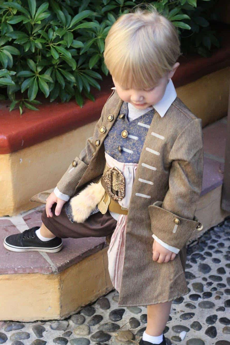 Tips for Toddlers Wearing Costumes at Disney World 14
