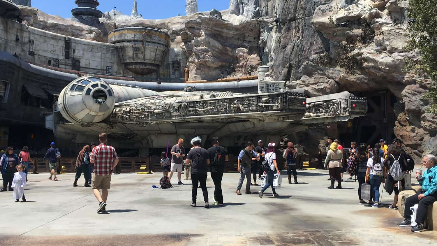The Inside Scoop on Star Wars: Galaxy's Edge Opening Day 34