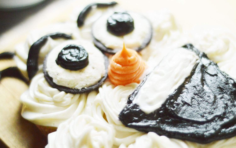 Olaf Pull Apart Cupcake Cake 1
