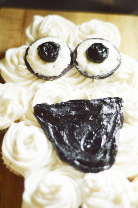Olaf Pull Apart Cupcake Cake 6