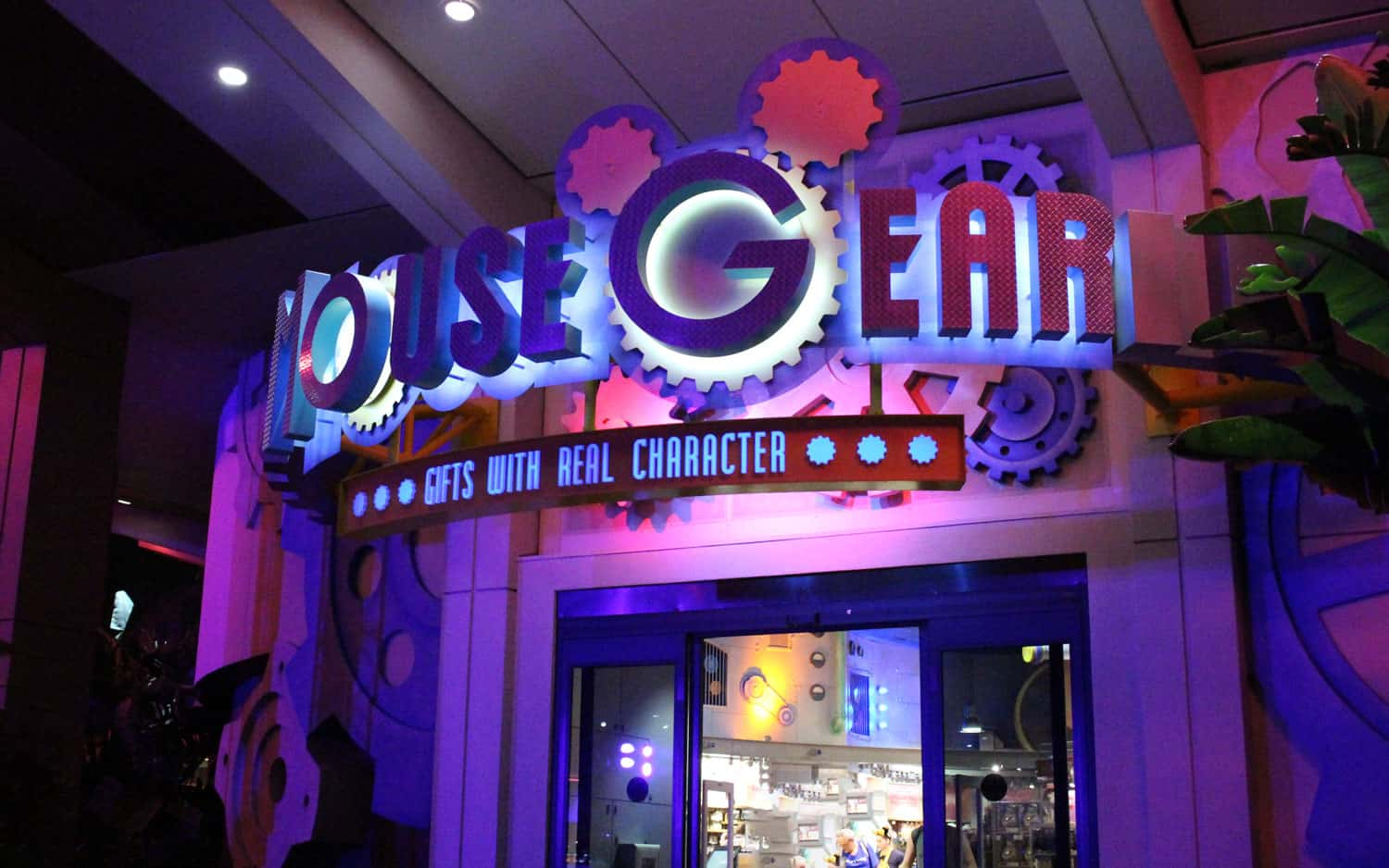 The 10 Best Gift Shops at Disney World You Don't Want to Miss 3
