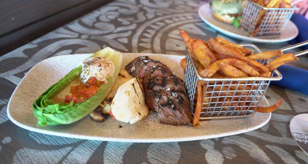 Three Bridges Bar and Grill Review 6